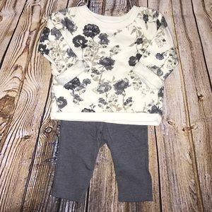 OLD NAVY BABY GIRL 3-6 MONTH SET